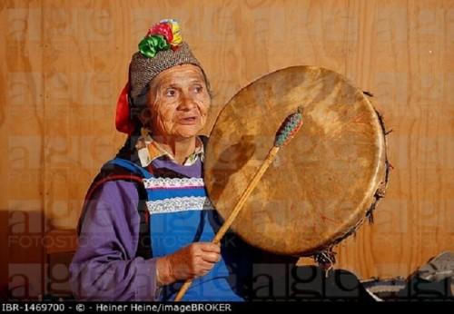 Mapuche woman, shaman, Bio-Bio region, Chile, South America