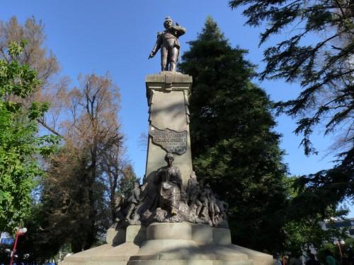 8.chillan pomnik o'higginsa na plaza de armas