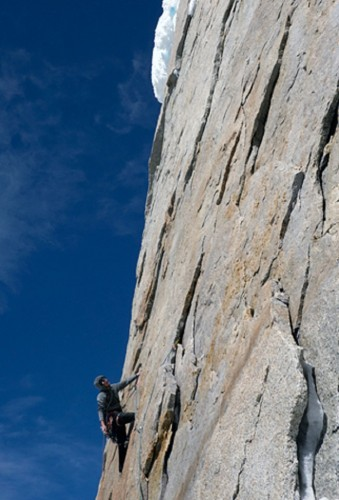 Hayden Kennedy leading on the 3rd pitch of the Cerro Torre headwall.